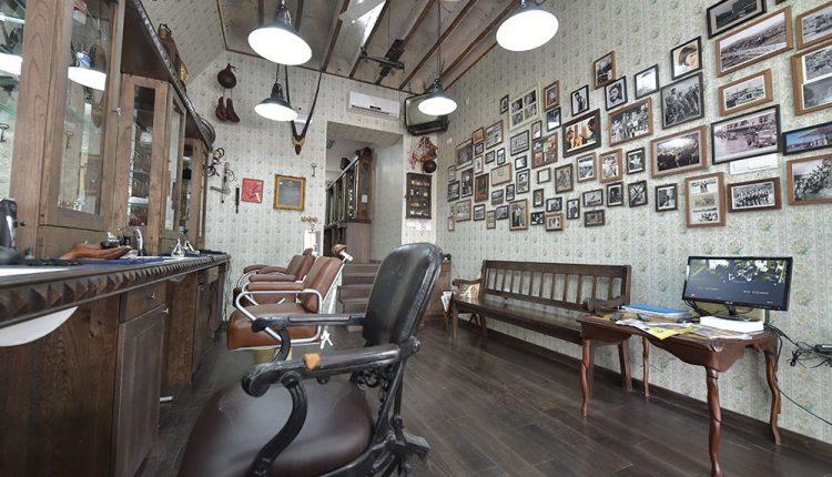 Osmi mart u Barber Shopu
