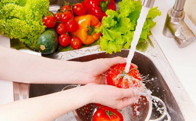 Kako ukloniti pesticide sa voća i povrća