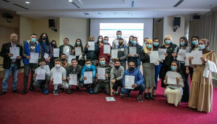 Pedeset dvoje pripadanika RE populacije dobilo sertifikate u cilju lakšeg zaposlenja