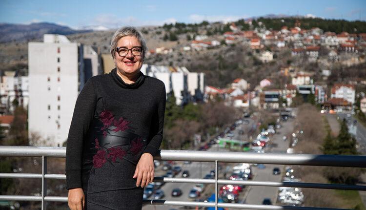 Eleonora Albijanić: Zlatni tim:  uvijek na dobitku