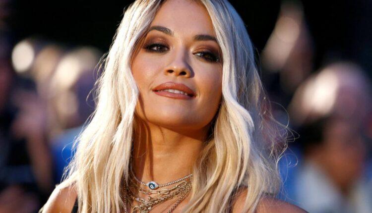 Rita Ora snimljena u zagrljaju slavnog oskarovca, fanovi uvjereni da su zajedno