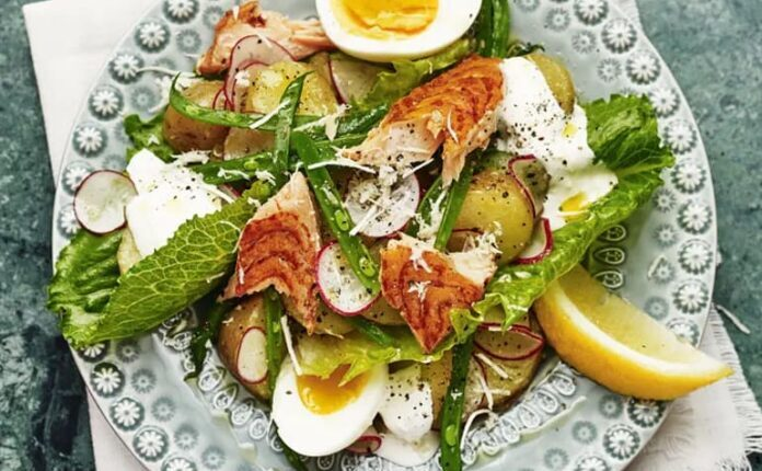Proljećna salata s lososom