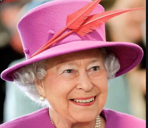 Kraljevske porodica i Britanija: Rođendanska čestitka kraljice Elizabete za praunuka Arčija