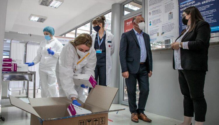 CAZAS donirao podgoričkom Domu zdravlja brze antigenske testove