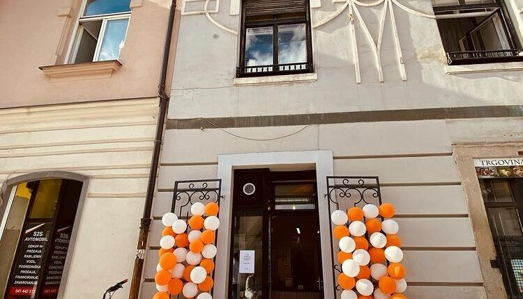 """""""Bakuta"""", mala ambasada naše države u Sloveniji"""