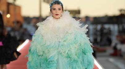 Irina u bajkovitim kreacijama  Dolce & Gabbana